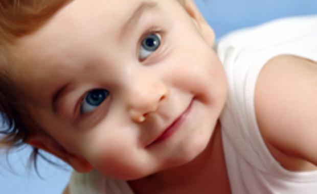 A quel ge les enfants font il des caprices - A quel age couper les ongles de bebe ...