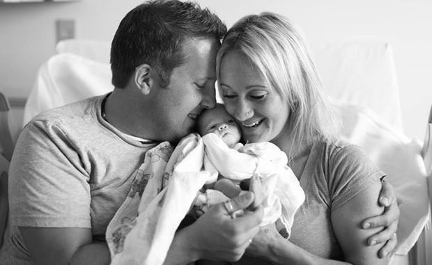 Touching photos of a family meeting with their baby ...