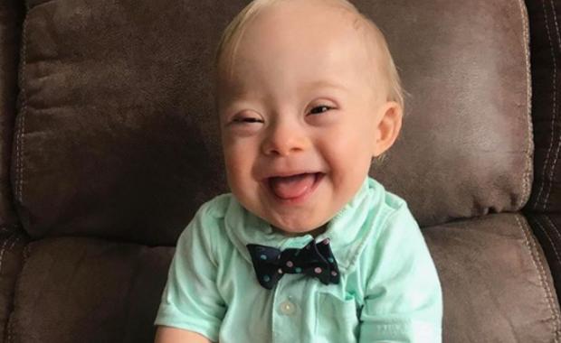 Un petit garçon trisomique devient le nouveau visage d'une marque internationale